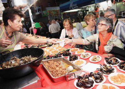 Girona. Fira de tastets a la plaça del Mercat del Lleó.