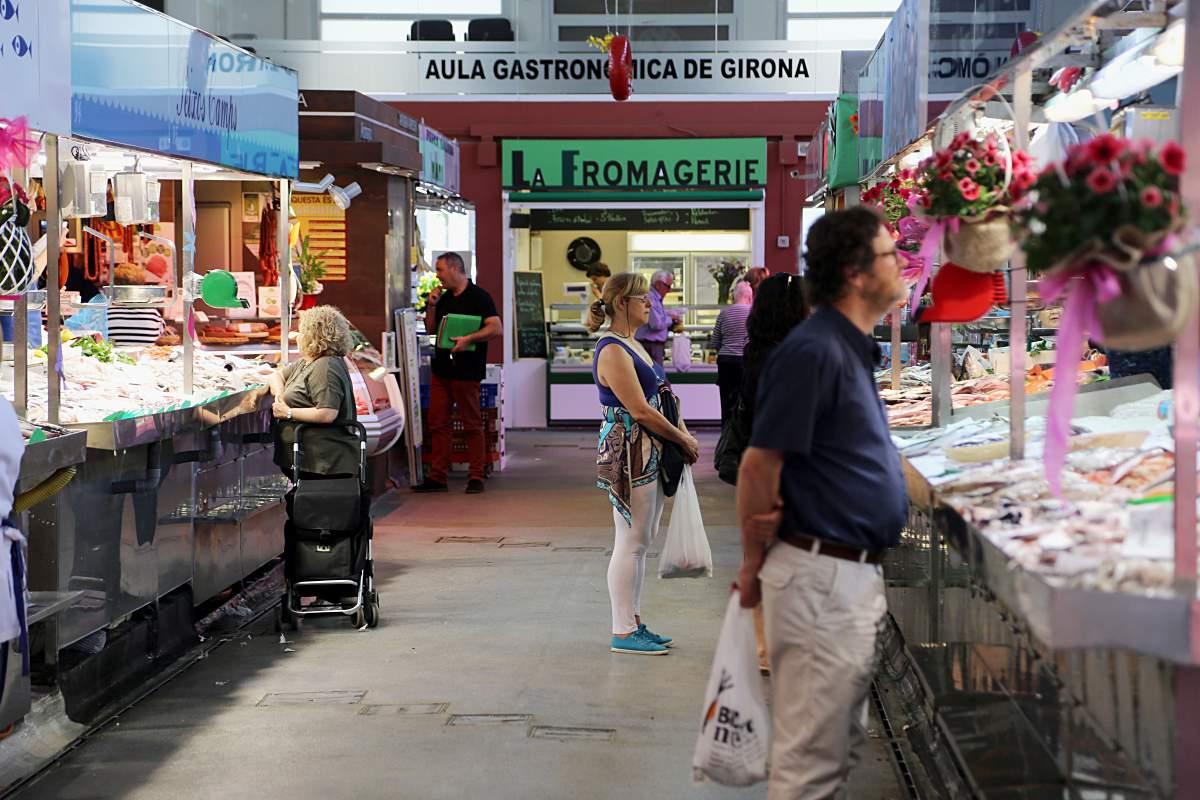 Interior del mercat del Lleó de Girona