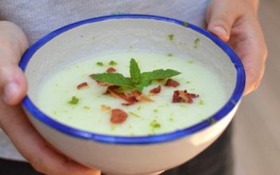 Sopa de meló amb pernil cruixent